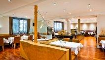 De ontbijtzaal van Hotel Goldenes Schiff