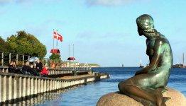 De beroemde zeemeermin in Kopenhagen, Denemarken