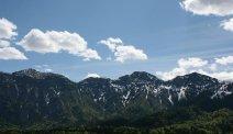 De prachtige bergachtige omgeving van Hotel Lindwurm