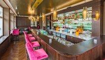 In de hippe bar van Kurhaushotel Bad Salzhausen kunt u gezellig borrelen
