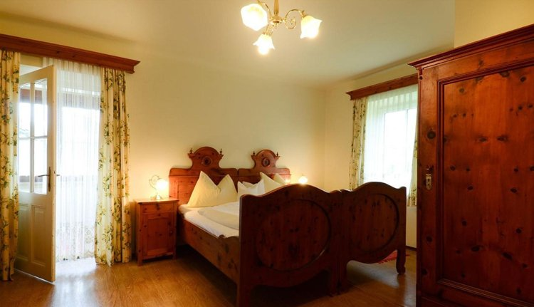 De tweepersoonskamers in Gasthof Brandwirt zijn comfortabel ingericht.