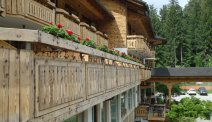Hotel Ribno in Bled - gevel met balkons