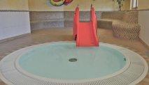 Het zwembad van Familienhotel Pillerseehof