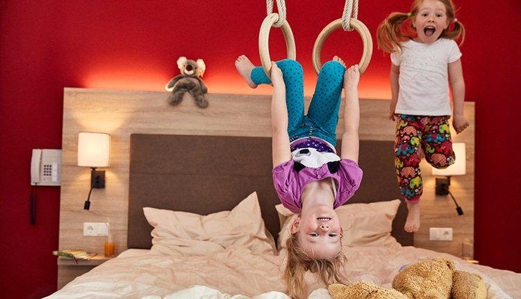De tweepersoonskamers in Gut Wenghof - Family Resort zijn sfeervol en comfortabel ingericht