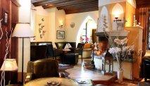 Hotel Gasthof Unterbrunn heeft gezellige zitjes om even neer te strijken