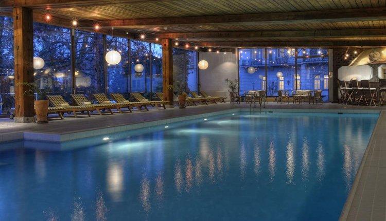 Wyndham Grand Hotel Bad Reichenhall - indoor zwembad met wellness faciliteiten
