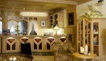 Een warm ontvangst bij de receptie van Hotel Alpenrose