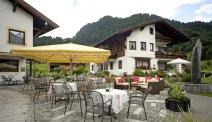 Genieten op het terras van Hotel Alpenrose