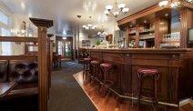 Drink een drankje in de bar van Hotel Gilleje Strand