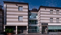 De herkenbare gevel van Hotel Hotel La Spezia
