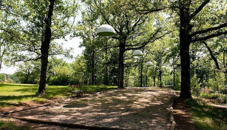 Hôtel la Truffière ligt in een prachtige groene, parkachtige omgeving
