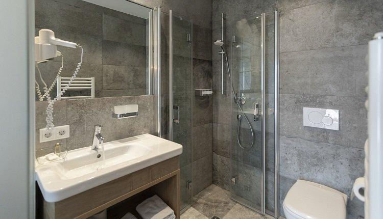 Badkamer van de 2-persoonskamer Classic