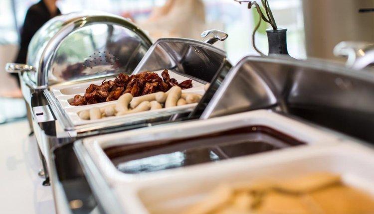 Start de dag met een heerlijk ontbijtbuffet bij Het is smullen bij Hotel Roomz Vienna Prater