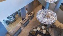 De moderne lounge van Het is smullen bij Hotel Roomz Vienna Prater