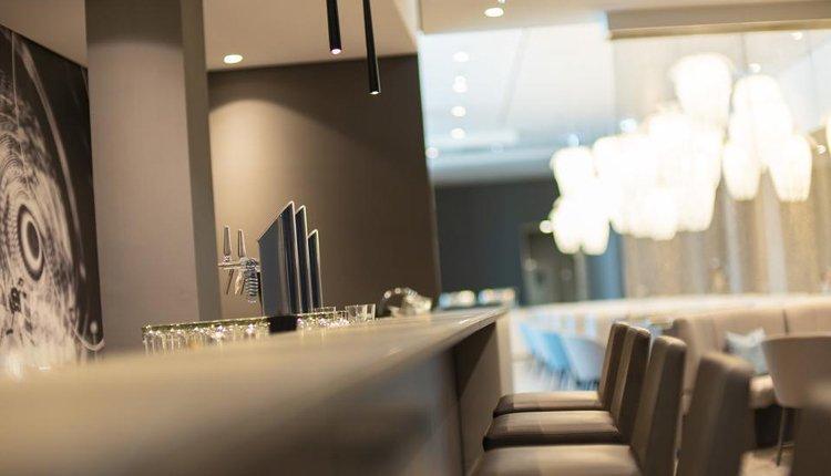 Bij Hotel Roomz Vienna Prater vindt een moderne, gezellige bar