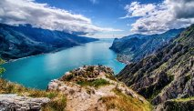 Prachtig blauw Ledro meer