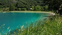 Het meer en de omgeving