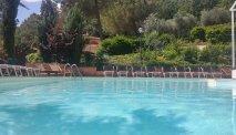 Een verfrissende duik in het zwembad van El Patio