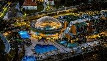 Het Thermana Lasko zwembadencomplex