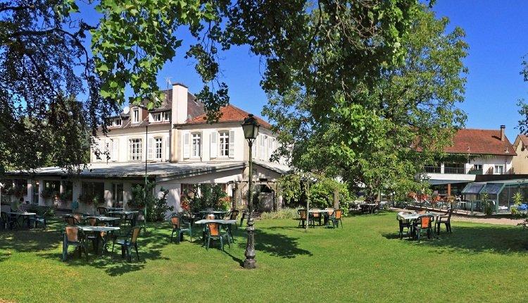 De tuin om het hotel heen