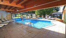 Het zwembad van Hotel la Residence