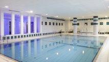 Het binnenzwembad