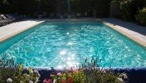 Het verwarmde buitenzwembad