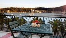 Vanaf het terras een prachtig uitzicht over de baai van Le Grazie