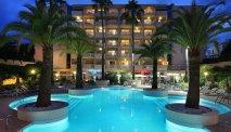 Het zwembad van AC Marriott Ambassadeur