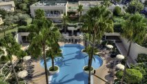 Hotelkamers met aangrenzend zwembad